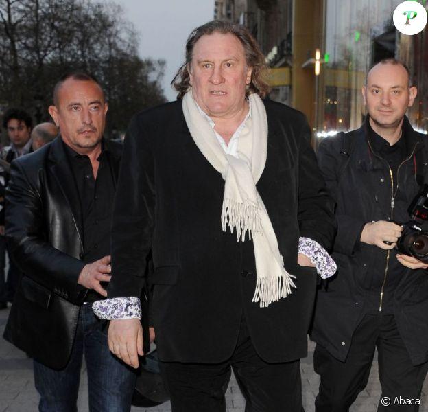 Gérard Depardieu sur les Champs Elysées le 29 mars 2011