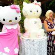 Tori Spelling et sa fille Stella entourées de Hello Kitty pour l'anniversaire de Stella, le 11 juin 2011 à Los Angeles.