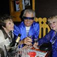 Michou, Perrette Souplex et Marthe Mercadier lors du 75e anniversaire de la célèbre boîte de nuit le Balajo à Paris le 27 juin 2011