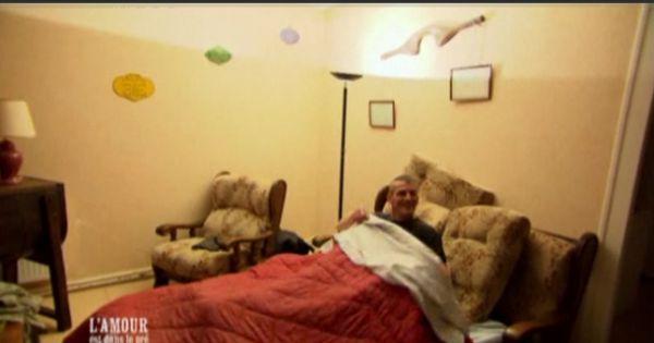 l 39 amour est dans le pr 6 jean claude vous invite dans son lit. Black Bedroom Furniture Sets. Home Design Ideas