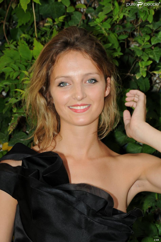 Stephanie Crayencour nude 343