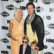Tori Spelling enceinte fait le show avec Liam le rockeur et Stella la hippie