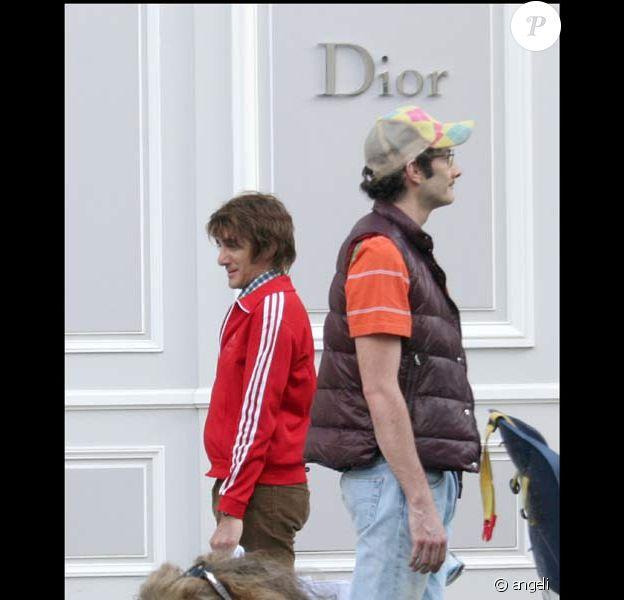 Elie Semoun et Vincent Desagnat dévalisent l'avenue Montaigne, le 13/05/08