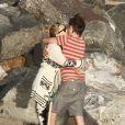 """""""Kate Hudson, son compagnon Matthew Bellamy et son fils Ryder ont profité d'une journée ensoleillée sur la plage de Malibu le 18 juillet 2011"""""""