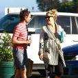 """""""Kate Hudson et son fiancé Matthew Bellamy profite d'un moment de repos pour se rendre sur la plage de Malibu avec le fils de Kate, Ryder, le 18 juillet"""""""