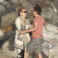 """""""Kate Hudson très amoureuse de son compagnon Matthew Bellamy et son fils Ryder ont profité  d'une journée ensoleillée sur la plage de Malibu le 18 juillet 2011"""""""