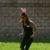 Kate Walsh : En playmate rose, elle s'amuse comme une folle