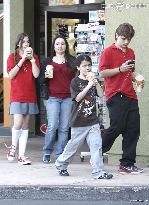 Prince, Paris et Blanket, à Los Angeles, le 24 mai 2011.