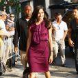 La jolie Freida Pinto dans une robe d'été est simplement à tomber
