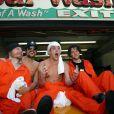 Sur le tournage de  Jackass - The movie  à New York, le 17 octobre 2002 : Ryan Dunn, Johnny Knoxville,  Steve-O et Bam Margera.