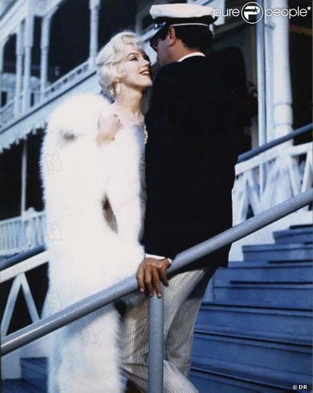 Tony Curtis et Marilyn Monroe dans  Certains l'aiment chaud , 1959.