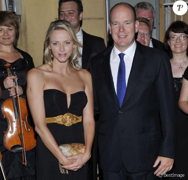 Le prince Albert et Charlene lors de la soirée de clôture du 62e Festival de Musique de Menton. Le 16 août 2011
