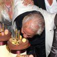 Massimo Gargia totalement ravi lors de son 71e anniversaire, aux Moulins de Ramatuelle, le 18 août 2011.