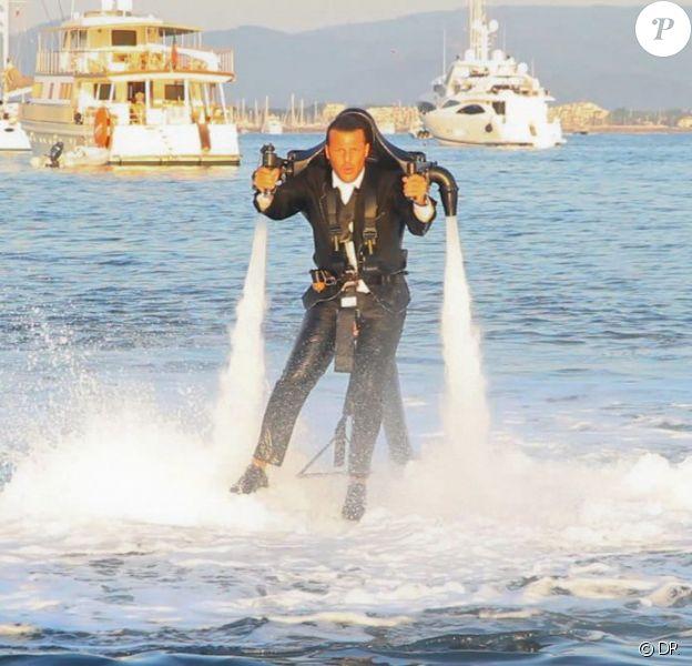 Jean-Roch fait du jet lev sur le tournage de son clip Saint-Tropez, à Saint-Tropez le 21 août 2011
