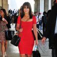 Jennifer Love Hewitt, magnifique dans sa robe rouge Hervé Léger, était présente pour regarder le défilé printemps  2012 de Project Runway, animé par Heidi Klum, le 9 septembre 2011 à New  York.