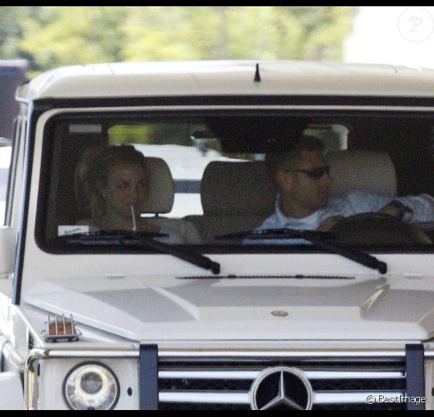 Britney Spears revient de l'école de ses fils Sean Preston et Jayden James, après leur rentrée scolaire, vendredi 9 septembre 2011 à Los Angeles.