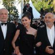 Olivia Ruiz entourée de Gérard Jugnot et François Berléand, à Cannes, le 15 mai 2011.