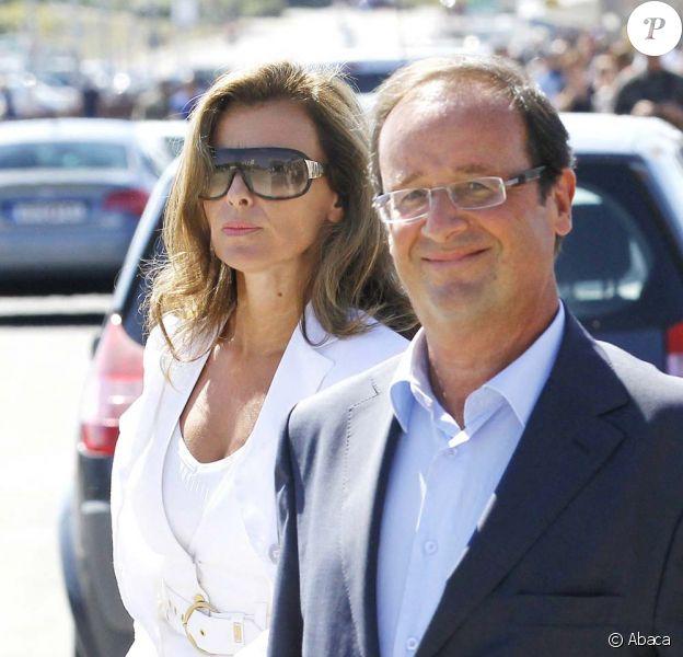 François Hollande et Valérie Trierweiler aux universités d'été du Parti Socialiste, à La Rochelle, le 29 août 2010.