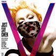 Habillée par Louis Vuitton, Gwen Stefani pose en Une du magazine V pour son numéro de mars 2008.