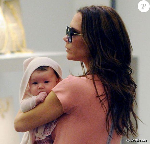Vicoria Beckham et sa petite fille en pleine séance shopping le 16 septembre 2011 à NY.