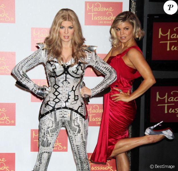 Fergie découvre son double de cire à Las Vegas le 22 septembre 2011