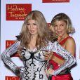 Fergie face à sa statue de cire au musée de Madame Tussauds à Las Vegas le 22 septembre 2011