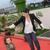 Romane Bohringer, avec sa petite Rose et son chéri, pour le show final à Dinard
