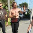 Gerard Butler sur le tournage de Of Men and Mavericks, le 14 octobre 2011 à Santa Cruz, Californie.