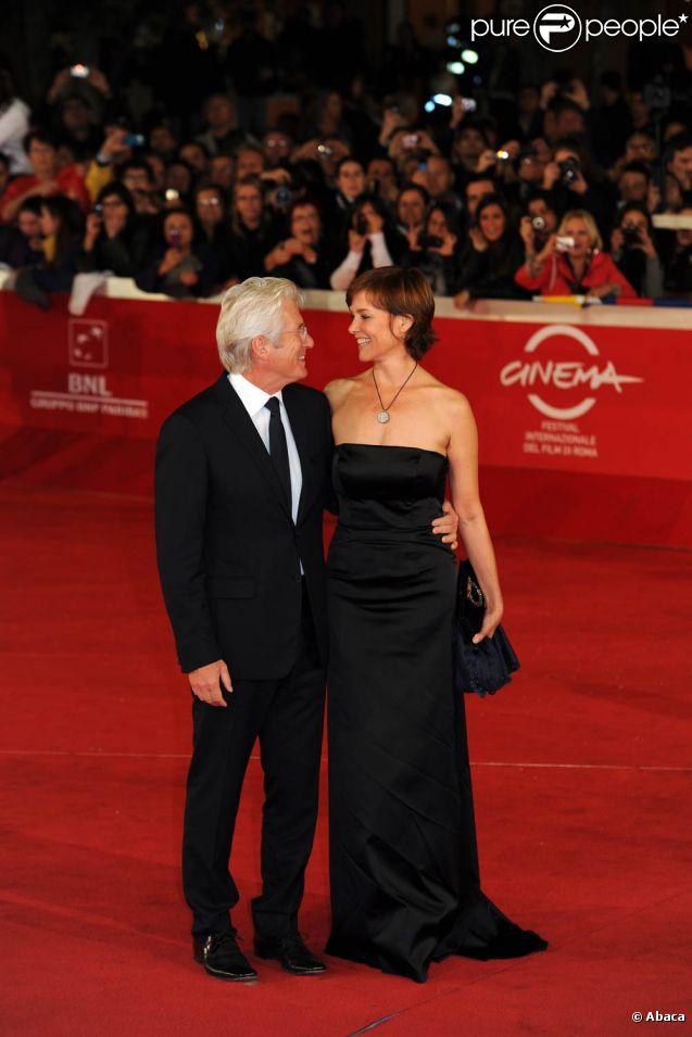 Richard Gere, chic et passionné avec sa femme Carey Lowell, pour la cérémonie de clôture du VIe festival international du film de Rome, qui a connu son épilogue vendredi 4 novembre 2011.
