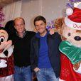 Julien Arnaud et Christophe Beaugrand posent à l'occasion de la soirée de lancement des festivités de Noël aux parcs Disneyland Paris, le samedi 5 novembre 2011.