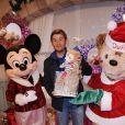 Christophe Beaugrand pose à l'occasion de la soirée de lancement des festivités de Noël aux parcs Disneyland Paris, le samedi 5 novembre 2011.