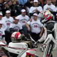 Kevin Schwantz a piloté la moto de Marco Simoncelli dont il était l'idole lors du grand prix de Valence le 6 novembre 2011