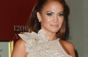 Jennifer Lopez : A 42 ans, elle illumine New York avec la sirène Jessica Alba