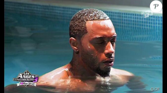 mathieu dans la piscine en plein tournage de son clip pisode 34 les anges de la t l. Black Bedroom Furniture Sets. Home Design Ideas