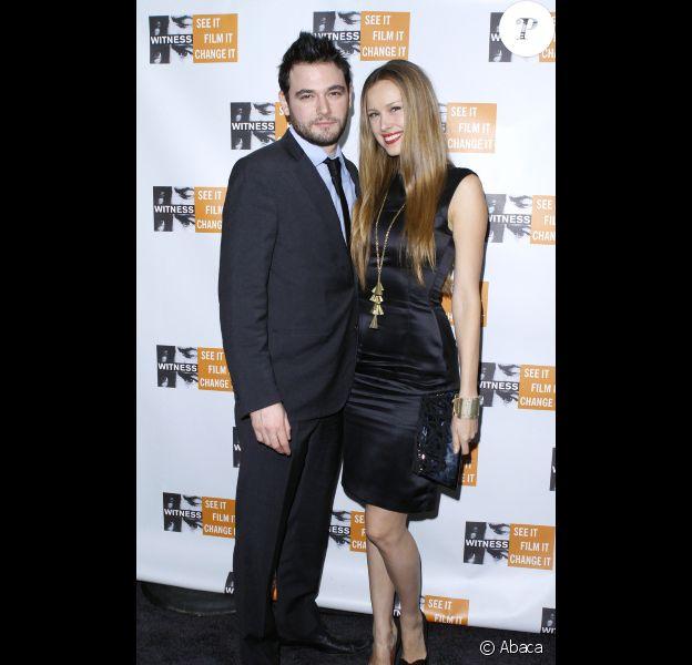 Petra Nemcova ne quitte plus son fiancé Jamie. Ici, lors de la soirée Focus for Change à New York le 10 novembre 2011