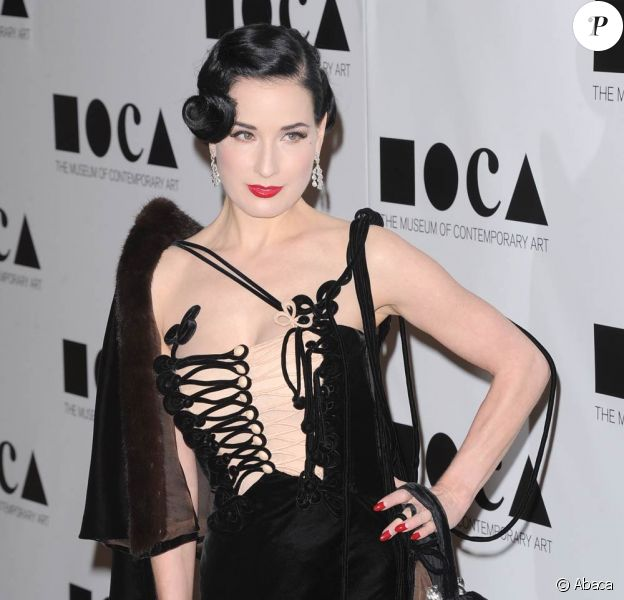 Dita Von Teese lors du gala du MOCA, à Los Angeles, le 12 novembre 2011.