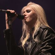 Taylor Momsen : Trash, elle échappe à la censure lors d'un concert de feu
