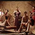 Tous les animateurs W9 dans le making-of de la photo des animateurs W9 pour la promo de Spartacus