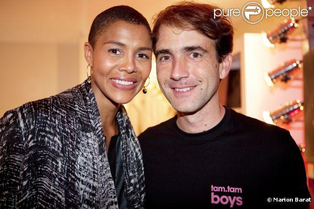 La chanteuse Ayo et Pierre-Arnaud Grenade lors de la soirée Princesse Tam Tam le 18 novembre 2011 à Paris