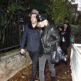 Kate Moss et Jamie Hince dans les rues de Londres pour aller inspecter les travaux de leur nouvelle maison. Le 23 novembre 2011
