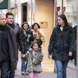 Tom Cruise, Katie Holmes et leur fille Suri Cruise se rendent à la patinoire à Pittsburgh le 19 novembre 2011