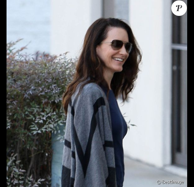 Kristin Davis se rend au Chinese Healing Institute dans le quartier de Brentwood pour une séance d'acupuncture. Los Angeles, le 26 novembre 2011.