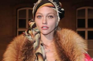 Sasha Pivovarova : Le top russe s'occupe de votre lingerie