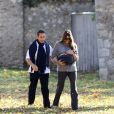 Carla et Nicolas Sarkozy à Versailles, fin octobre, lors d'une belle balade familiale avec la petite Giulia.