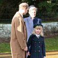 Lady Louise Windsor avec ses parents le prince Edward et la comtesse Sophie de Wessex, le 25 décembre 2011.   Le Noël 2011 de la famille royale britannique à Sandringham a été marqué par l'absence du prince Philip, hospitalisé, mais aussi par l'extraordinaire engouement suscité par Kate Middleton, attraction à Sandringham pour son premier Noël royal.