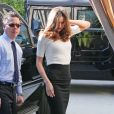 Miranda Kerr à Los Angeles, à Los Angeles, le 12 janvier 2012, dans un look de businesswoman