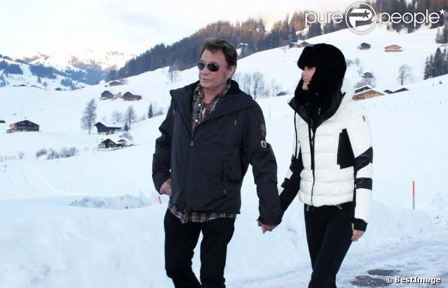 Johnny Hallyday et Laeticia à Gstaad, le 23 décembre 2011.