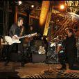 Johnny Hallyday lors de son concert à la tour Eiffel, le 3 décembre 2011.