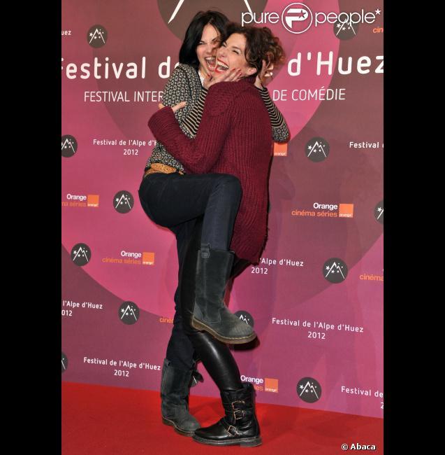 Helena Noguerra et Anne Depetrini lors de la projection du film La Clinique de l'amour du festival de l'Alpe d'Huez le 18 janvier 2012