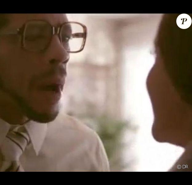 JoeyStarr, en scène dans le rôle de mari et père tiraillé pour le clip Mamy.